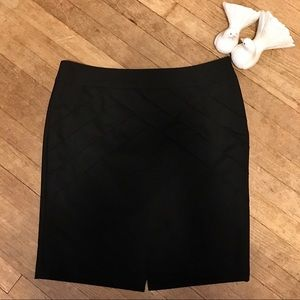 Limited Pleated Black Stretch Straight Skirt Sz 12
